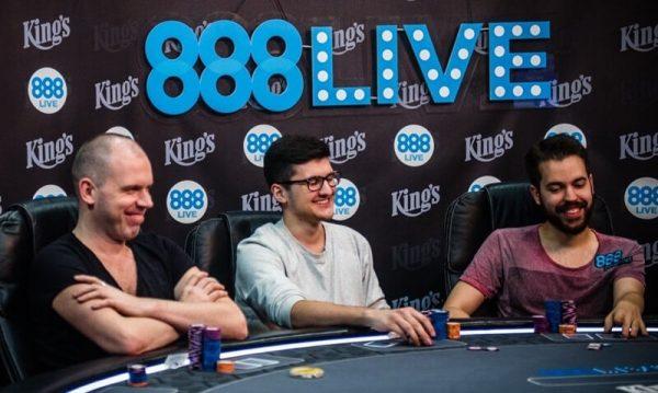 Играть в 888 покер с друзьями